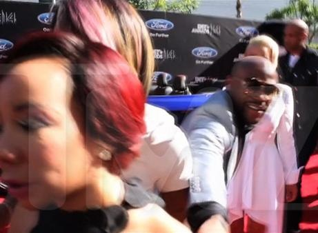 News video: Floyd Mayweather Jr. Denied by T.I.'S Wife on the BET Awards Red Carpet