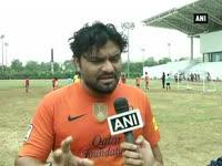 News video: Singer Babul Supriyo turns 'Dribbler' with budding footballer in New Delhi